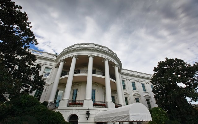 protest-at-white-house-rescheduling-marijuana