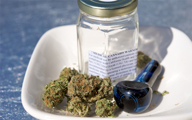LA-temporary-ban-on-medical-marijuana-extended-by-one-year
