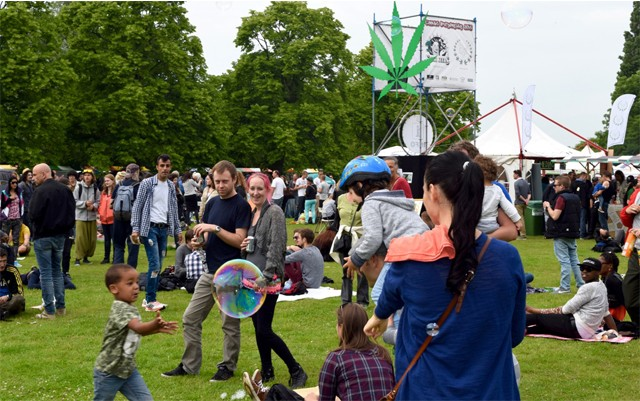 cannabis-liberation-day-in-amsterdam-2016