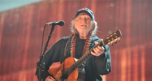 willie-nelson-hiring-in-cannabis-industry