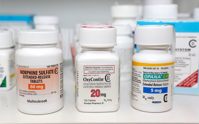 new-california-law-aims-to-curb-painkiller-abuse-with-accountability