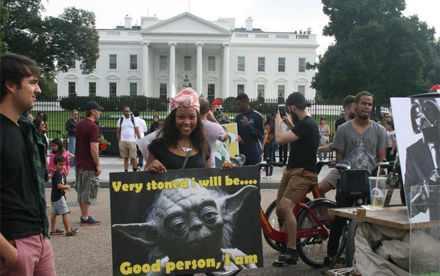 parents-ask-obama-to-lift-prohibition-of-life-saving-medicine-at-white-house-protest