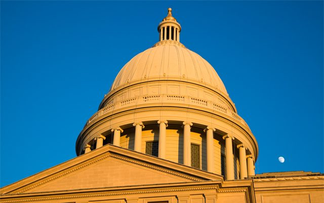 arkansas-court-takes-issue-7-off-the-ballot