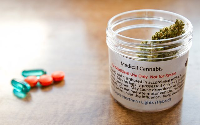 a-quarter-of-cancer-patients-use-MMJ-to-relieve-symptoms