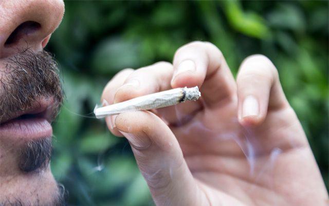 FL-judge-to-hear-case-against-smokable-cannabis-ban