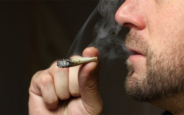 floridas-ban-on-smokable-medical-marijuana-will-continue-for-now