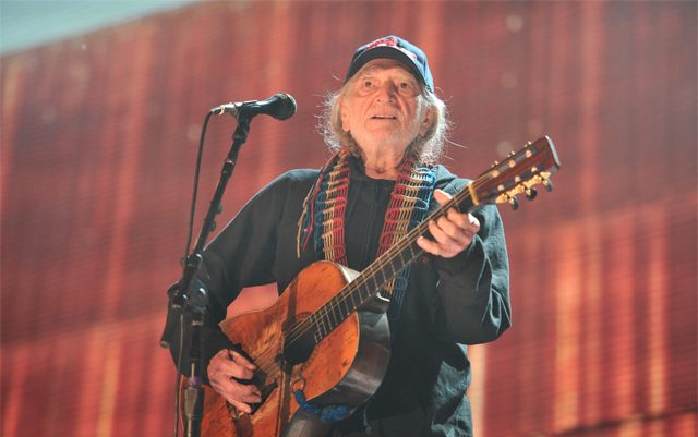 the-life-of-willie-nelson-is-a-history-of-marijuana
