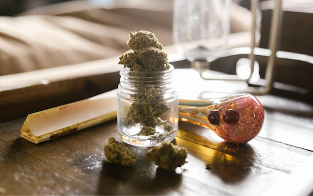 how to buy weed online - a tale of two strains